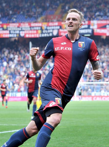 Luca+Rigoni+Genoa+CFC+v+Frosinone+Calcio+Serie+eLx0A7gfgZVl